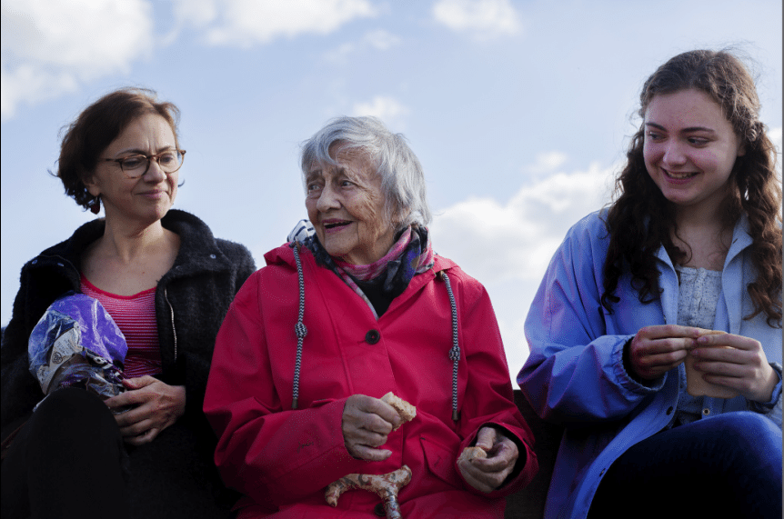 Hannah's elderly grandma who suffers from dementia, alongside her mother and sister.